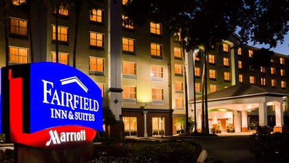 Hotel Front - Evening/Night   Fairfield Inn & Suites Orlando Int'l Drive/Convention Center