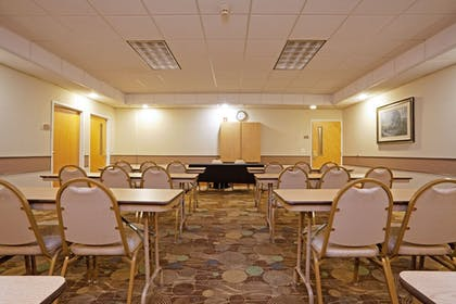 Meeting Facility   Holiday Inn Express & Suites Albermarle