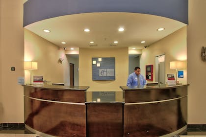 Lobby | Holiday Inn Express Hotel & Suites Houston-Downtown Conv Ctr