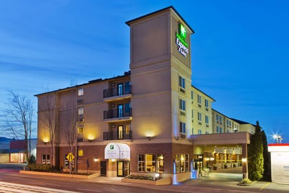 Exterior   Holiday Inn Express Hotel & Suites Portland-NW Downtown