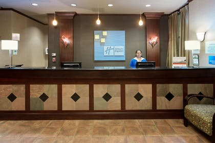 Lobby | Holiday Inn Express Hotel & Suites Portland-NW Downtown