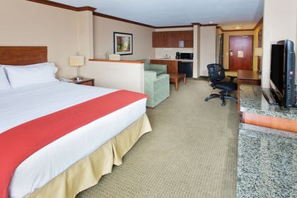 Guestroom   Holiday Inn Express Hotel & Suites Portland-NW Downtown