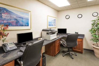 Business Center | Wingate by Wyndham Indianapolis Airport-Rockville Rd.