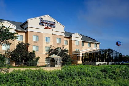 | Fairfield Inn and Suites by Marriott Indianapolis East