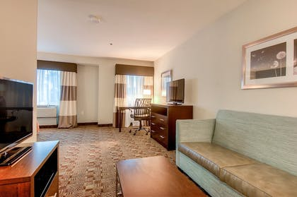 Guestroom | Holiday Inn Express Hotel & Suites Carlsbad Beach