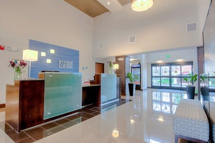 Featured Image | Holiday Inn Express Hotel & Suites Carlsbad Beach
