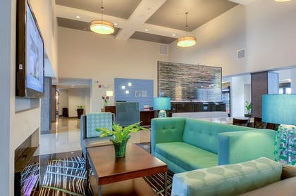 Lobby | Holiday Inn Express Hotel & Suites Carlsbad Beach
