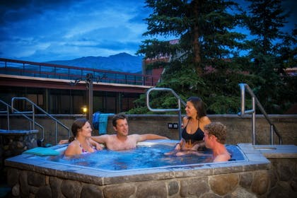 Outdoor Spa Tub | Beaver Run Resort & Conference Center