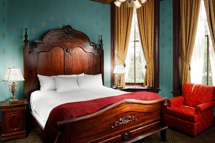 Guestroom | The Crescent Hotel and Spa