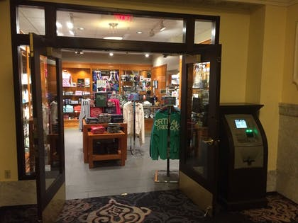 Gift Shop | Embassy Suites by Hilton Portland-Downtown