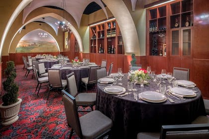 Banquet Hall | Embassy Suites by Hilton Portland-Downtown