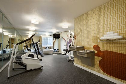 Fitness Facility | Hawthorn Suites by Wyndham Charlotte/Executive Park