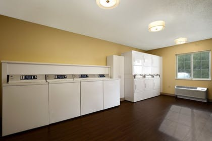 Laundry Room | Hawthorn Suites by Wyndham Charlotte/Executive Park