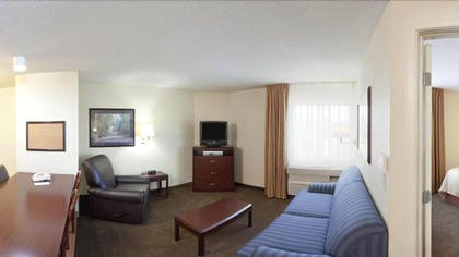Living Room | Candlewood Suites Wichita Airport