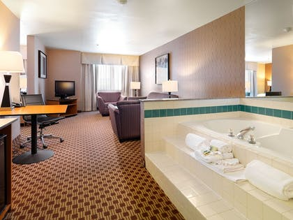 Jetted Tub | Crystal Inn Hotel & Suites West Valley City