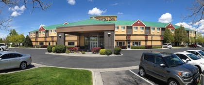 Hotel Front | Crystal Inn Hotel & Suites West Valley City