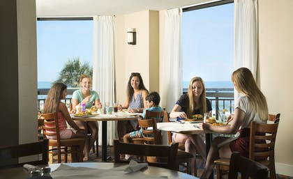 Family Dining | The Patricia Grand by Oceana Resorts