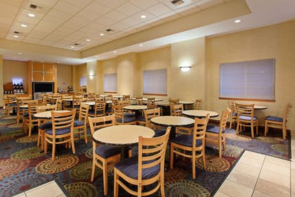 Restaurant | Holiday Inn Express Hotel & Suites Seattle - City Center
