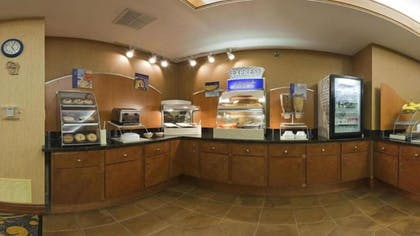 Breakfast Area | Holiday Inn Express Deforest