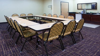 Meeting Facility | Holiday Inn Express Deforest