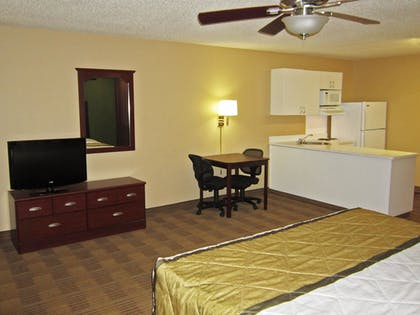 Guestroom | Extended Stay America Columbia - Columbia Parkway