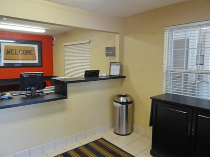 Lobby | Extended Stay America - Raleigh - RDU Airport