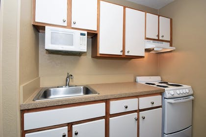 In-Room Kitchen | Extended Stay America, Houston, Northwest HWY 290, Hollister