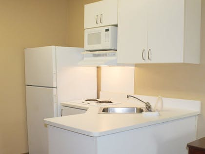 In-Room Kitchen | Extended Stay America Orange County - Lake Forest