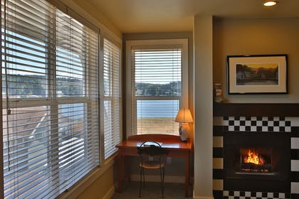 Living Area | The Resort at Port Ludlow