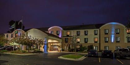 Hotel Front - Evening/Night | Holiday Inn Express Hotel & Suites Canton