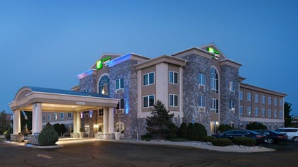 Featured Image | Holiday Inn Express Hotel & Suites Saginaw