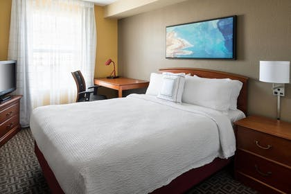 Guestroom | TownePlace Suites Los Angeles LAX/Manhattan Beach