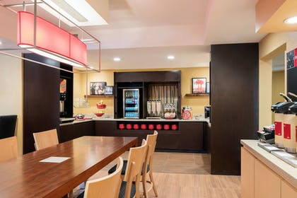 Breakfast buffet | TownePlace Suites Los Angeles LAX/Manhattan Beach