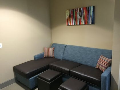 Living Area      Comfort Suites Houston West at Clay Road