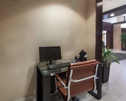 Business Center      Comfort Suites Houston West at Clay Road