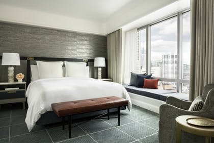 Guestroom | Four Seasons Hotel San Francisco