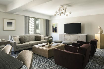 Living Room | Four Seasons Hotel San Francisco
