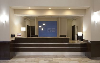 Lobby | Holiday Inn Express Hotel & Suites Brownsville