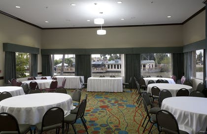 Meeting Facility | Holiday Inn Express Hotel & Suites Brownsville