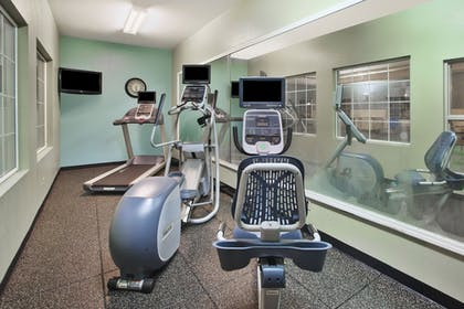 Fitness Facility | Holiday Inn Express & Suites Manchester