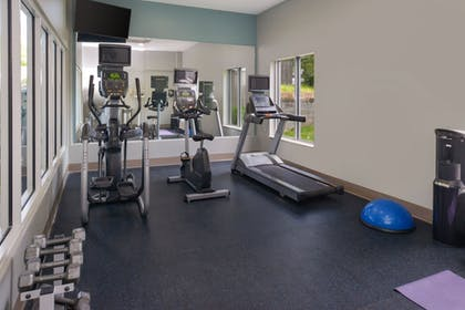 Fitness Facility | Holiday Inn Express East Ridge