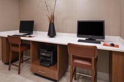 Business Center | Holiday Inn Express East Ridge