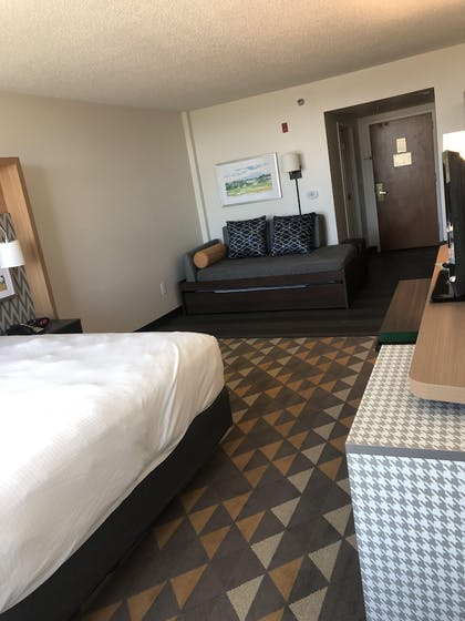 Guestroom | The Cleveland Hotel