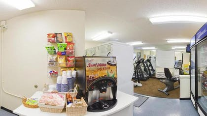 Snack Bar | Candlewood Suites Hopewell