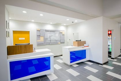 Lobby | Holiday Inn Express & Suites Austin Airport