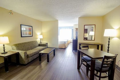 Guestroom | Holiday Inn Express & Suites Austin Airport
