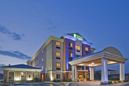Featured Image | Holiday Inn Express & Suites Midwest