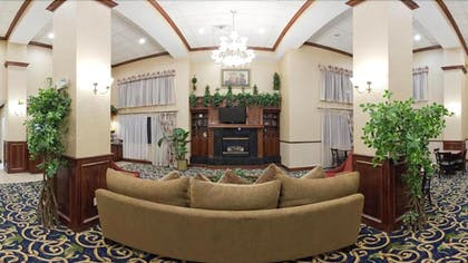 Fireplace | Holiday Inn Express & Suites Midwest