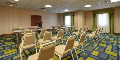 Meeting Facility | Holiday Inn Express & Suites Midwest