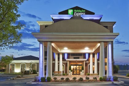 Exterior | Holiday Inn Express & Suites Midwest